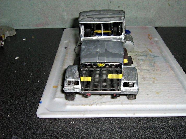 White-Truck 2grocaiq5ge